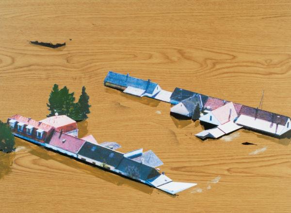 Felix Malnig, Überschwemmung, Collage, Öl, Lackspray auf Holz, 46 cm x 64 cm, 2015 (inkl. Rahmen)
