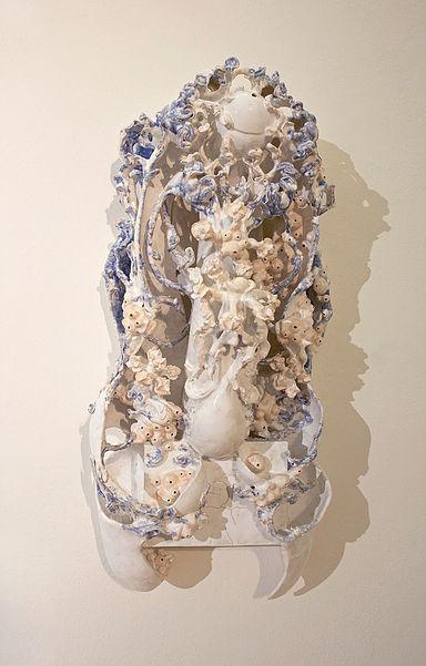 Keiyona Stumpf, Sentinel, 2016, glasierte Keramik